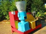PELLECIARKA: wydajność 300-450 kg/h  napęd z silnika Diesla