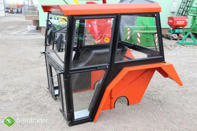 Kabina ciągnikowa do ciągnika C 330 C330 z błotnikami kabiny - zdjęcie 3