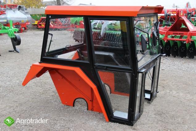 Kabina ciągnikowa do ciągnika C 330 C330 z błotnikami kabiny